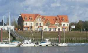 Les Maisons de la baie, 3 locations de 2 à 10 personnes face au port du Crotoy