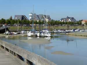 Locations 2 à 10 personnes Les Maisons de la Baie, face au port du Crotoy en baie de somme