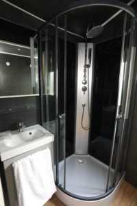 douche location mobil home et chalet 2 à 6 personnes au camping La Baie de Somme au Crotoy pour week-end et vacances en baie de Somme