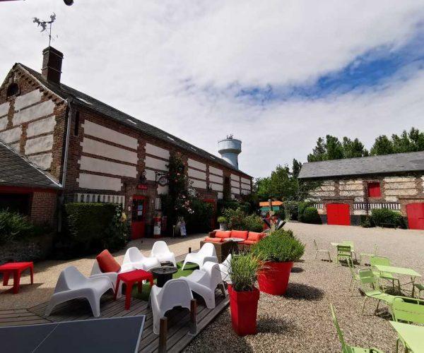 Espace bar-terrasse au camping La Baie de Somme au Crotoy